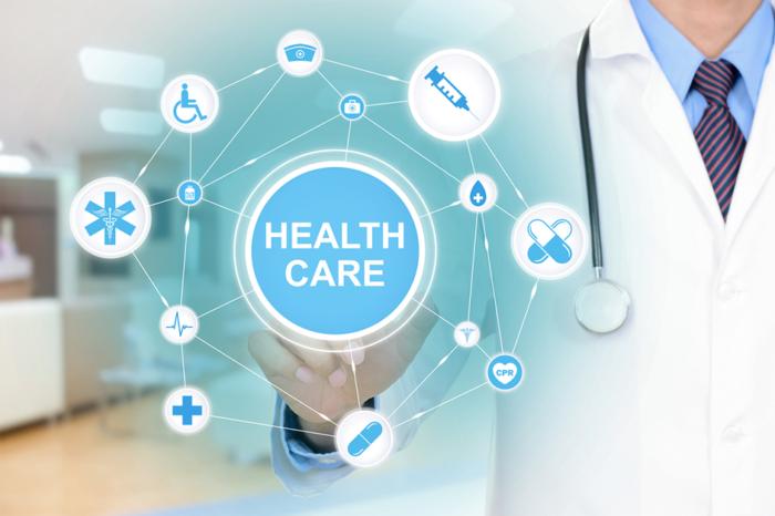 healthcare-virtual-screen-700x466